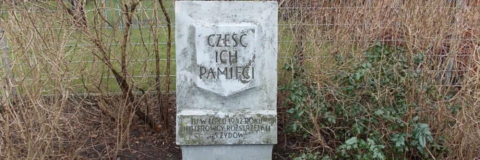 Tablica pamiątkowa Tchorka przy Kajki róg VIII Poprzecznej
